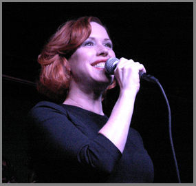 Molly Ringwald performing at the Iridium NYC - Photo by Luxury Experience